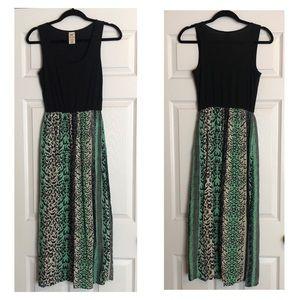Green Animal Print Scoop Neck Tank Top Maxi Dress